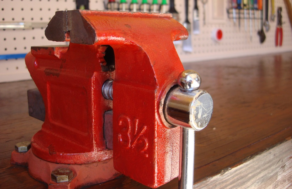 The Woodworking Bench - Essentials To Know - Vise
