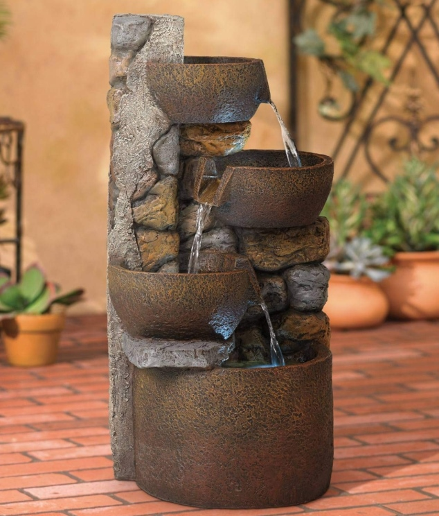 Best Outdoor Décor Ideas For Your Yard - Fountain